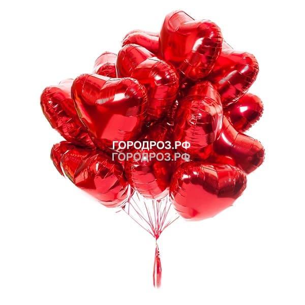 Красный шар в виде сердца