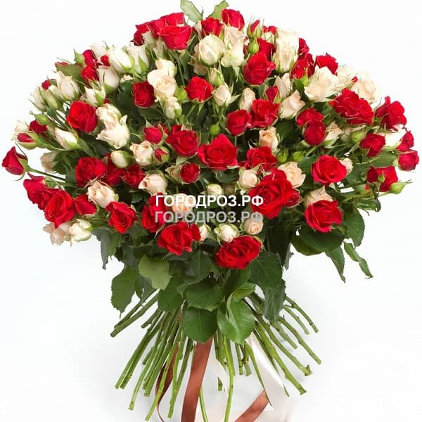 Букет из 39 кустовых роз Микс красные и белые