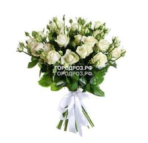 Букет из 19 белых кустовых роз