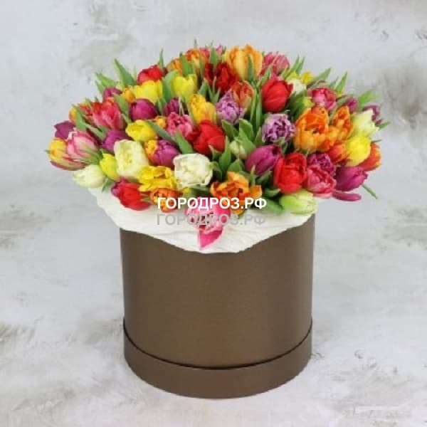 Тюльпаны разноцветные микс в шляпной коробке