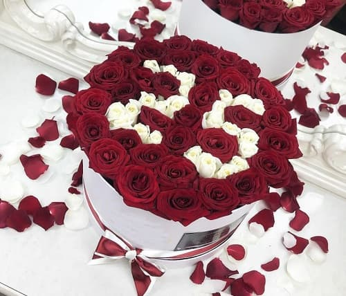 Заказывайте букет цветов на юбилей с бесплатной доставкой по всей Москве