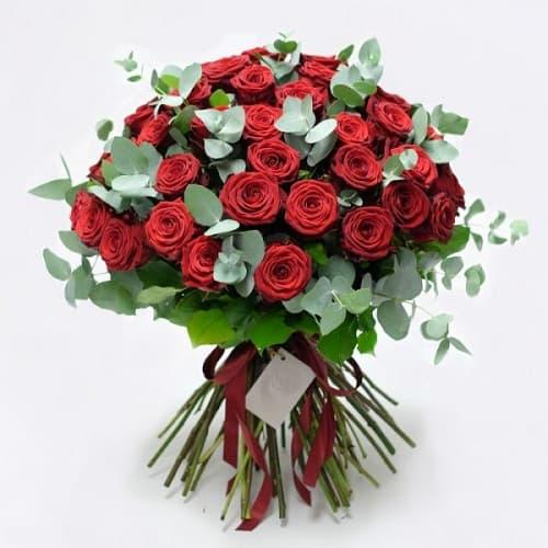 Букеты из 65 роз
