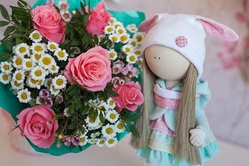 Заказывайте красивые цветы для своей дочери, доставка по Москве бесплатно